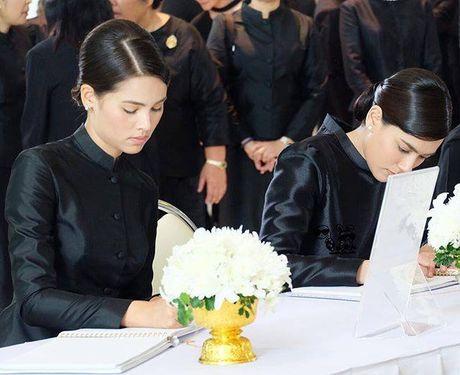 Dan sao dai truyen hinh lon nhat Thai Lan kinh can tuong niem Quoc vuong - Anh 17