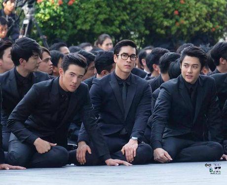 Dan sao dai truyen hinh lon nhat Thai Lan kinh can tuong niem Quoc vuong - Anh 6