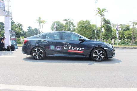 Honda Civic 2017: An tuong voi dong co tang ap 1.5L VTEC TURBO - Anh 3