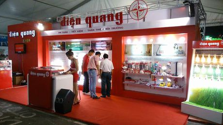 Bong den Dien Quang giai trinh lai dot bien quy III - Anh 1