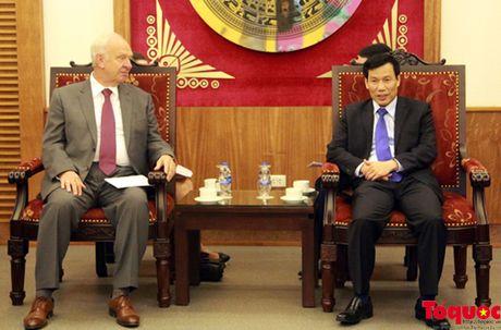 Bo truong Nguyen Ngoc Thien tiep Dai su Lien bang Nga - Anh 1