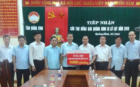 Thanh Hoa va Quang Ngai ung ho nhan dan Quang Binh 900 trieu dong - Anh 1