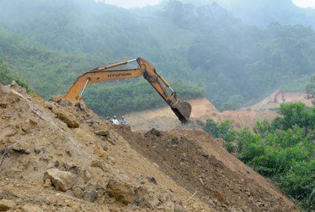 Lang biet lap giua nui rung Ca Dam - Anh 3