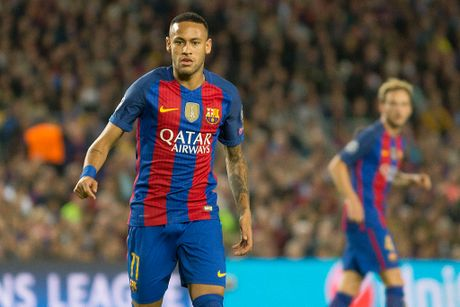 Neymar chinh thuc ky hop dong dat gia voi Barca - Anh 1