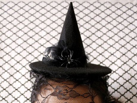 Do choi Halloween: Mu phu thuy doc nhat vo nhi - Anh 7