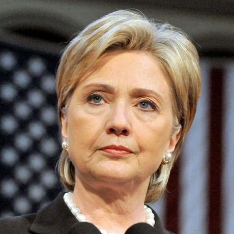 Thoi trang toc cua ba Hillary Clinton thay doi qua nam thang - Anh 11