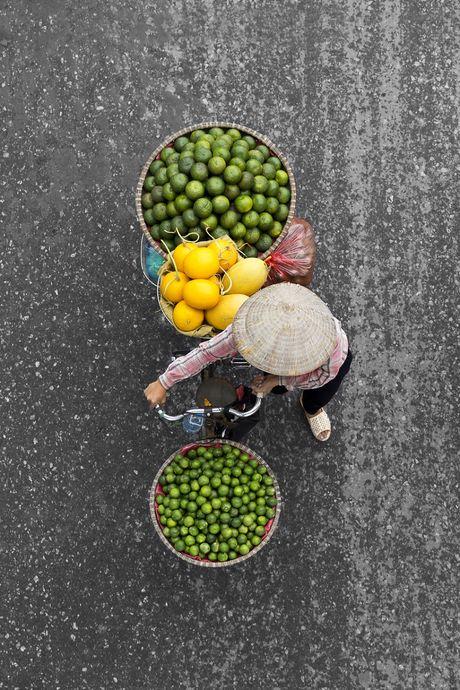 Nhiep anh gia Ha Lan 'phai long' xe hang rong o Viet Nam - Anh 10