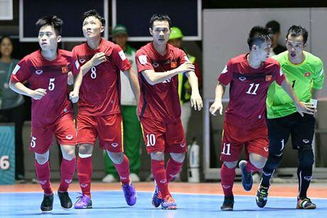 DIEM TIN SANG (22.10): U19 Viet Nam khong quan tam chuyen tien thuong - Anh 2