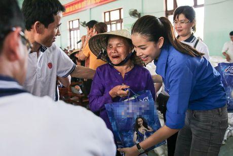 Am long Pham Huong mang nu cuoi den ba con mien Trung - Anh 9