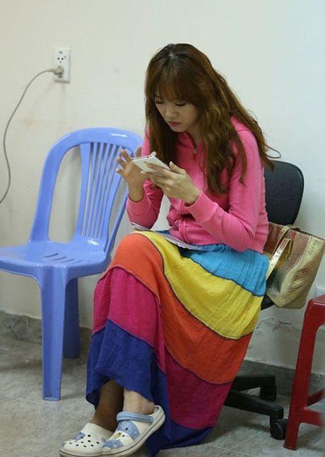 Hari Won va nhung lan mac lo chan tho kech, eo ngan mo - Anh 4
