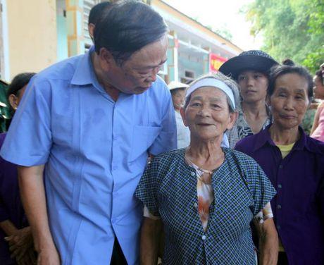 Hoi Nha bao Viet Nam : Dong hanh cung nguoi dan vung lu - Anh 6