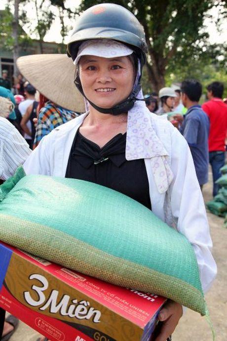 Hoi Nha bao Viet Nam : Dong hanh cung nguoi dan vung lu - Anh 7