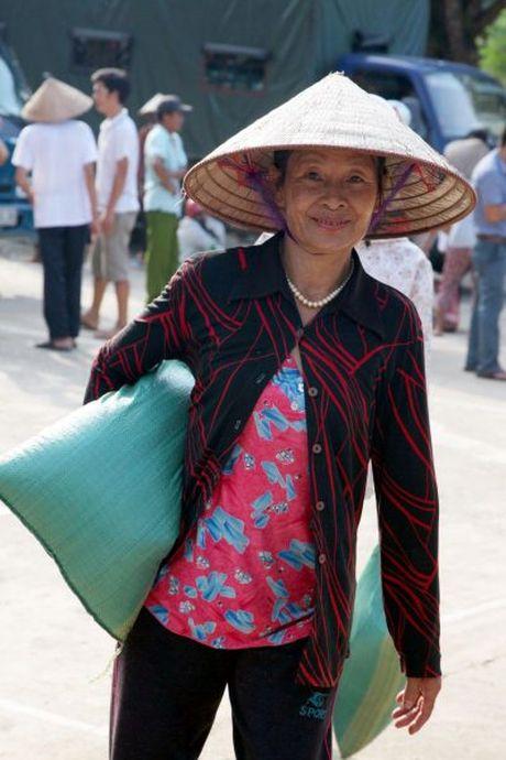 Hoi Nha bao Viet Nam : Dong hanh cung nguoi dan vung lu - Anh 8