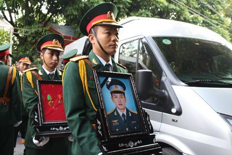 Thanh Hoa: Nguoi dan nghen ngao don liet sy hi sinh trong vu roi truc thang - Anh 2