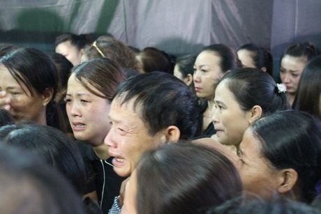 Thanh Hoa: Nguoi dan nghen ngao don liet sy hi sinh trong vu roi truc thang - Anh 4
