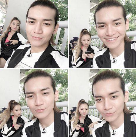 Sao Viet 22/10: Ngoc Trinh keo chan qua da, Ky Han mac vay rong giau bung bau - Anh 2