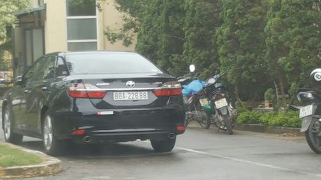 Cap bien xe VIP 'nhay' tai Vinh Phuc la trai quy dinh cua phap luat - Anh 2