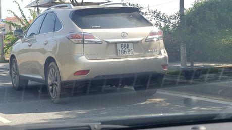 Cap bien xe VIP 'nhay' tai Vinh Phuc la trai quy dinh cua phap luat - Anh 3