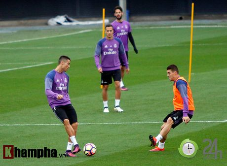 "Dac biet tu Real: Phong vien Viet Nam di ""san"" Ronaldo - Anh 4"