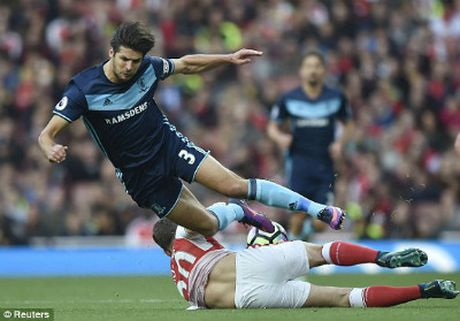 Chi tiet Arsenal - Middlesbrough: Ap luc de nang (KT) - Anh 4
