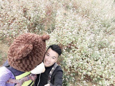 Chang trai cho gau bong di ngam tam giac mach gay bao mang - Anh 3