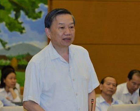 Bo truong Bo Cong an: Dang dieu tra, lam ro vu cong bo nuoc mam nhiem Asen - Anh 1