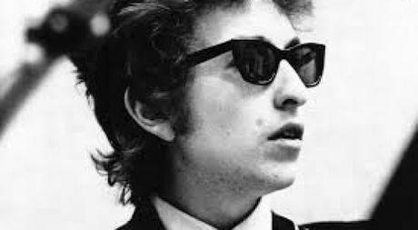 Bob Dylan lai 'ngo lo' giai Nobel van chuong? - Anh 1