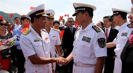 3 tau Hai quan Trung Quoc vao tham cang Cam Ranh - Anh 3