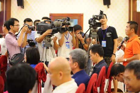 HLV Minh Duc boi hoi cung tuoi 20 cua giai U.21 - Anh 2