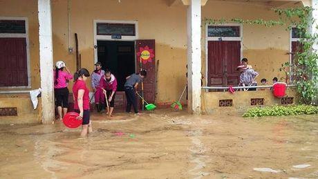 Quang Binh: Sau mua lu, chua xac dinh ngay hoat dong tro lai cua mot so diem truong - Anh 8