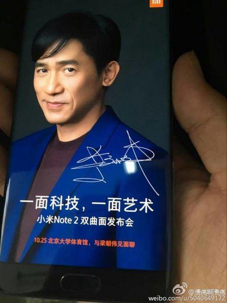 Xiaomi Mi Note 2 cung theo trao luu man hinh cong - Anh 2