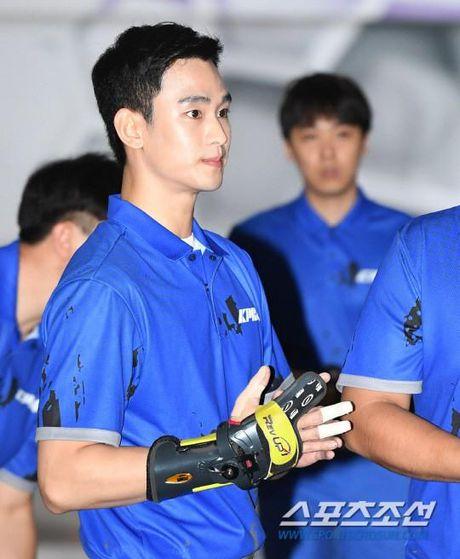 'Cu giao' Kim Soo Hyun choi bowling than sau, theo duoi su nghiep VDV chuyen nghiep - Anh 2