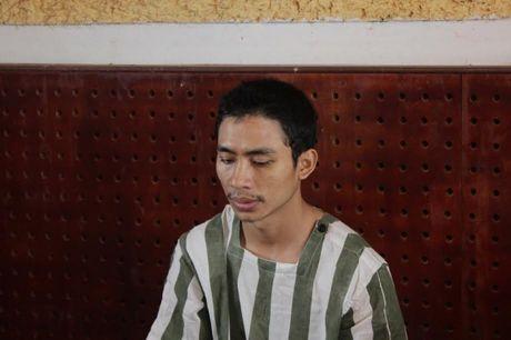 Dak Nong: Giet nguoi do mau thuan tai phong karaoke - Anh 1