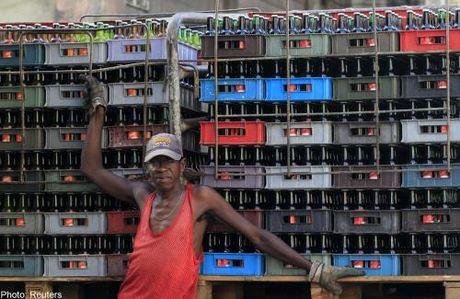 Cuba: Chinh quyen dung cap phep cho cac nha hang tu nhan - Anh 1