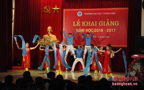 Gan 1.500 tan sinh vien Dai hoc Y khoa Vinh don chao nam hoc moi - Anh 1