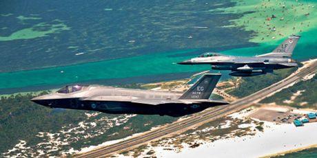 F-35 manh ngang mot doi hinh tiem kich the he 4 - Anh 1