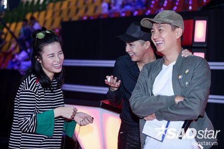 Dong Nhi - Ngo Kien Huy phan khich khi hoc tro Vu Cat Tuong hat rock - Anh 3
