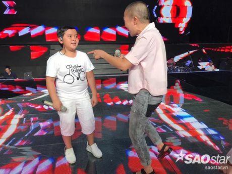 Phuong Thanh xuat hien voi mai dau troc, Hong Nhung dua 2 con di tong duyet Liveshow 6 - Anh 2