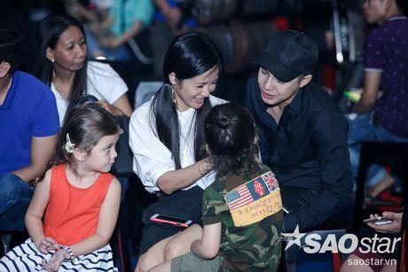 Phuong Thanh xuat hien voi mai dau troc, Hong Nhung dua 2 con di tong duyet Liveshow 6 - Anh 6