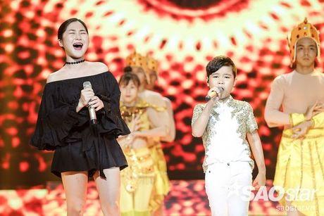 Phuong Thanh xuat hien voi mai dau troc, Hong Nhung dua 2 con di tong duyet Liveshow 6 - Anh 9