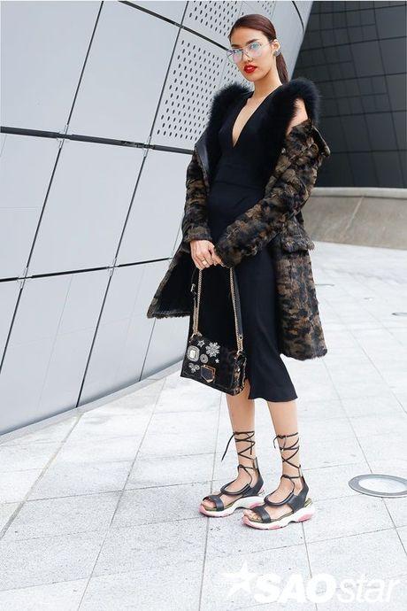 Seoul Fashion Week 2017 - nam dai thang cua cac stylist va tin do thoi trang Viet - Anh 15