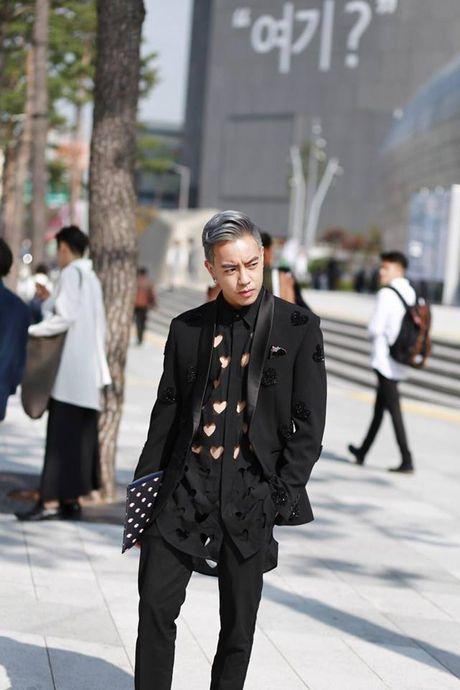 Seoul Fashion Week 2017 - nam dai thang cua cac stylist va tin do thoi trang Viet - Anh 5