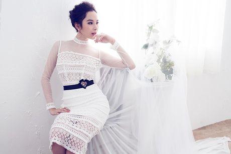 Angela Phuong Trinh hut mat voi dam ren mong manh quyen ru - Anh 4