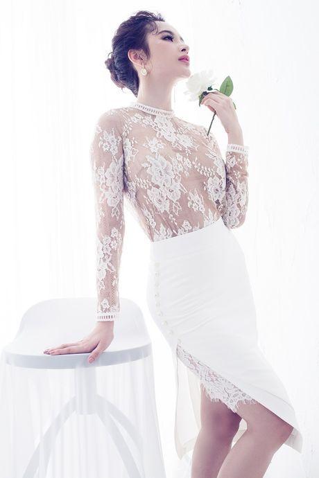 Angela Phuong Trinh hut mat voi dam ren mong manh quyen ru - Anh 8