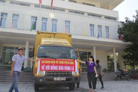 Da Nang: Nhieu doanh nghiep chung tay ho tro dong bao vung lu Bac Trung bo - Anh 1