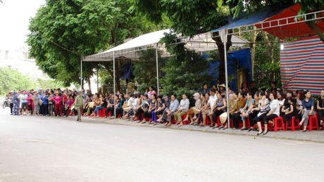 Hang nghin nguoi don di anh phi cong Nguyen Van Tung ve voi me - Anh 2