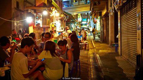 Me man nhung mon an duong pho ve dem tai Hong Kong - Anh 1