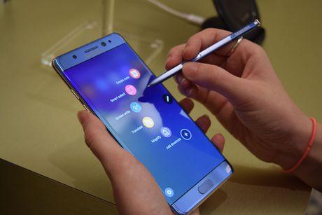 Xuat khau dien thoai giam manh sau khi Samsung dung san xuat Galaxy Note 7 - Anh 1