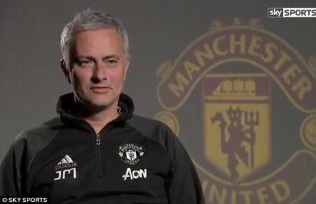 Mourinho: 'Toi da khong khoc' - Anh 2