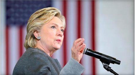 Ba Clinton vuot troi phieu bau cu som tai bang chien truong - Anh 1